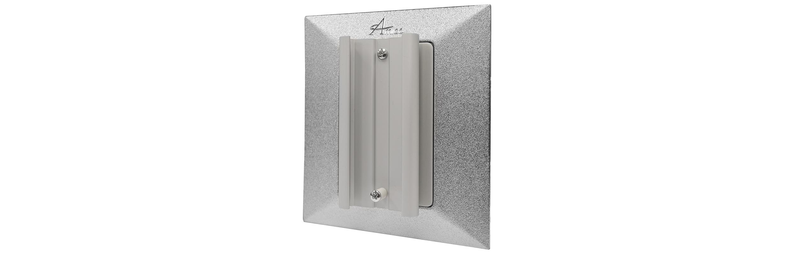 Slide bracket wall and console outlet accessory amico for Slide design outlet